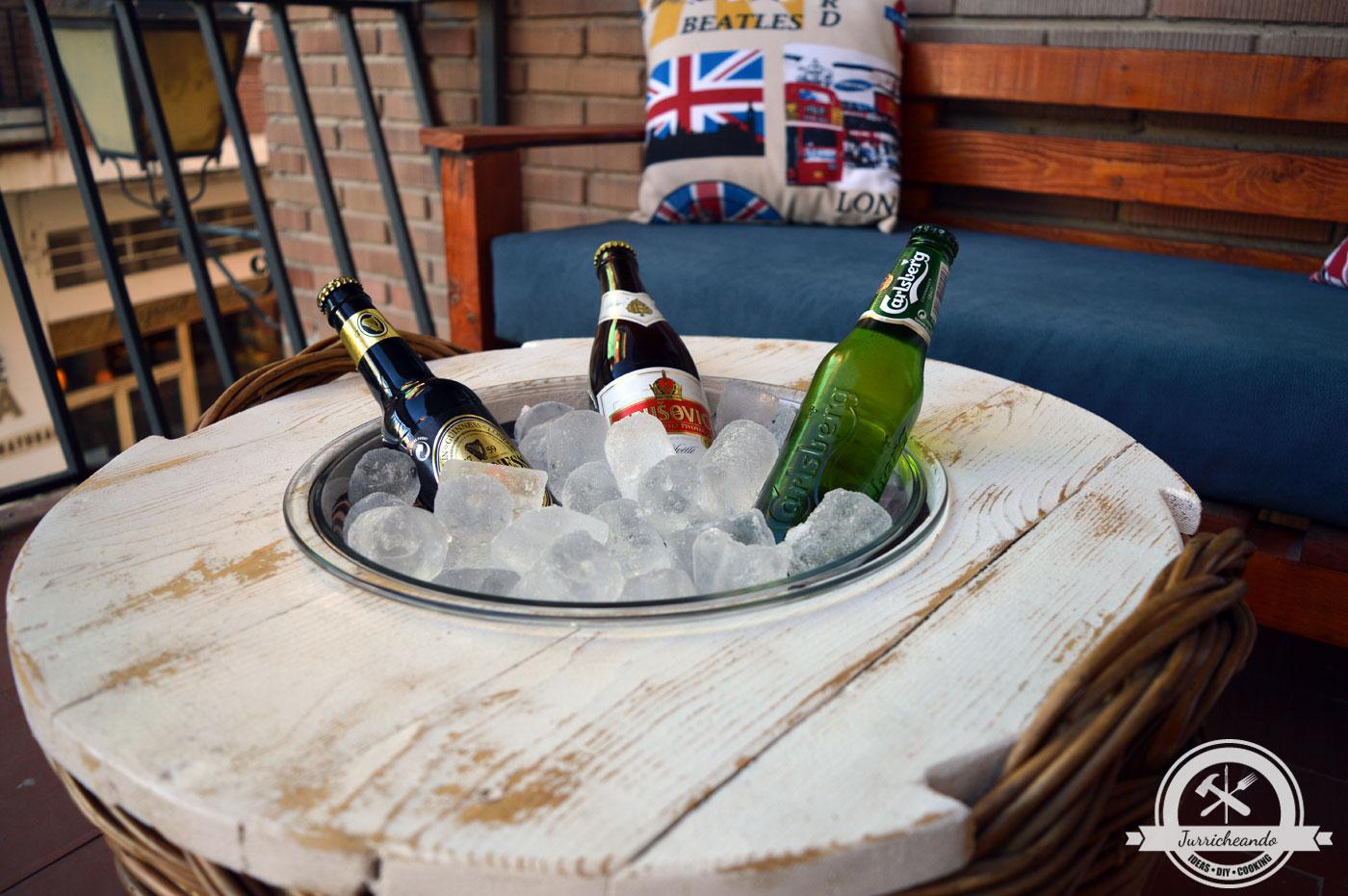 C mo reciclar palet y m s para hacer una mesa exterior for Como reciclar una mesa